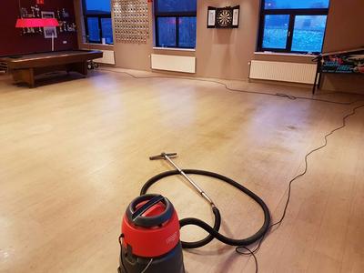 Wij verzorgen professionele vloer reiniging